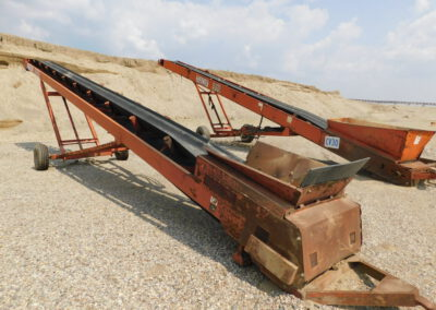 2 Finlay hydraulic radial stackers